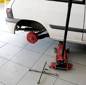 jack-stand-used-in-cars